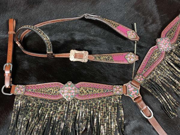 Leoparden Einohr Western-Kopfstück, Set aus Trense mit Vorderzeug und Fransen, pink, glitzer