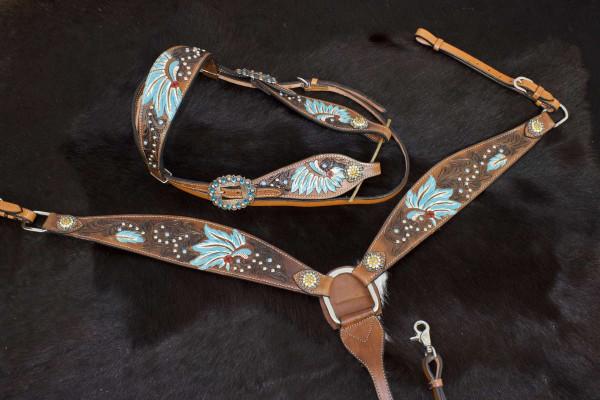 Set aus Westerntrense und Vorderzeug im Indianerdesign, Häuptlingsfedern, punziert, türkis