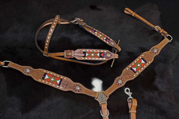 Westerntrense und Vorderzeug mit Perlenmuster, Set, punzierte Blumen, kupferfarbene Conchos